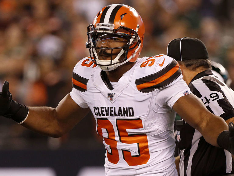 Browns contact authorities after Garrett says fan punched him