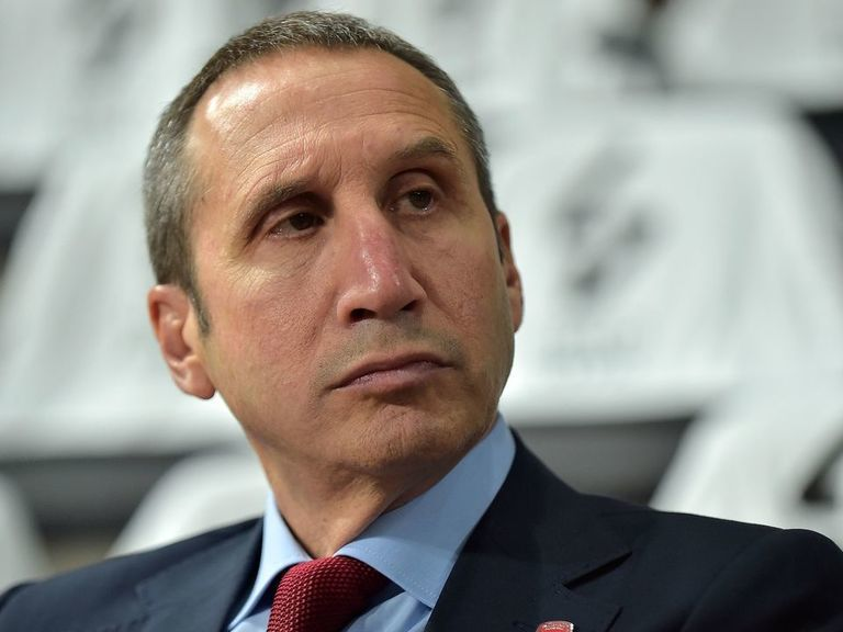 Former Cavs coach Blatt leaves Olympiacos 2 months after MS diagnosis
