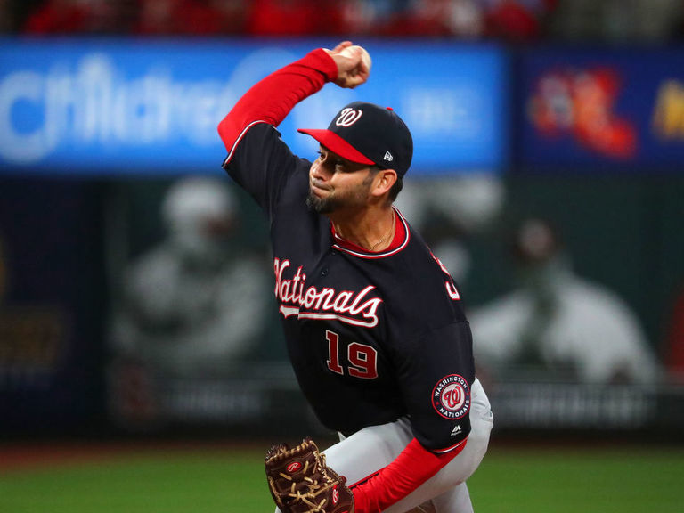 Nationals' Sanchez no-hitting Cardinals through 7 in Game 1 of NLCS