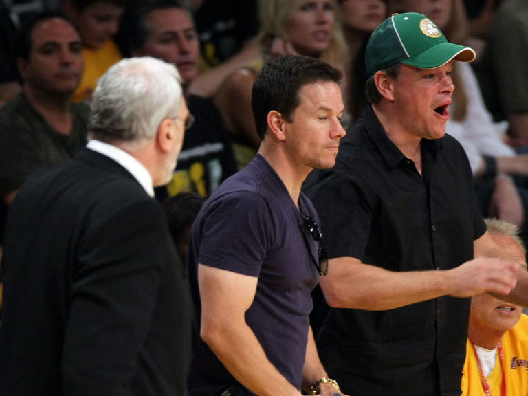 Phil Jackson cussed out Matt Damon, Mark Wahlberg during 2008 Finals - thescore.com