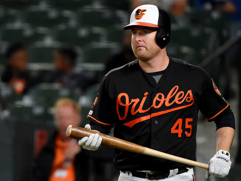 Former HR champ Trumbo would consider becoming 2-way player