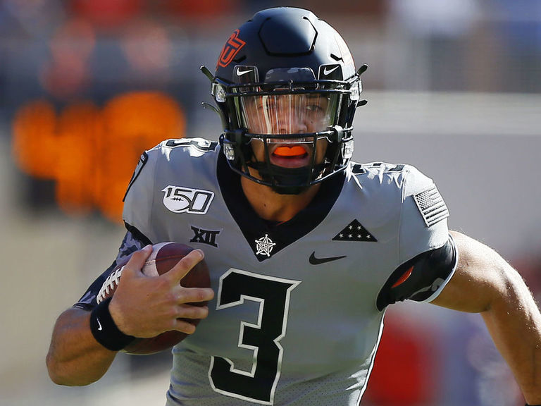 Report: Oklahoma State's Sanders done for season after thumb surgery