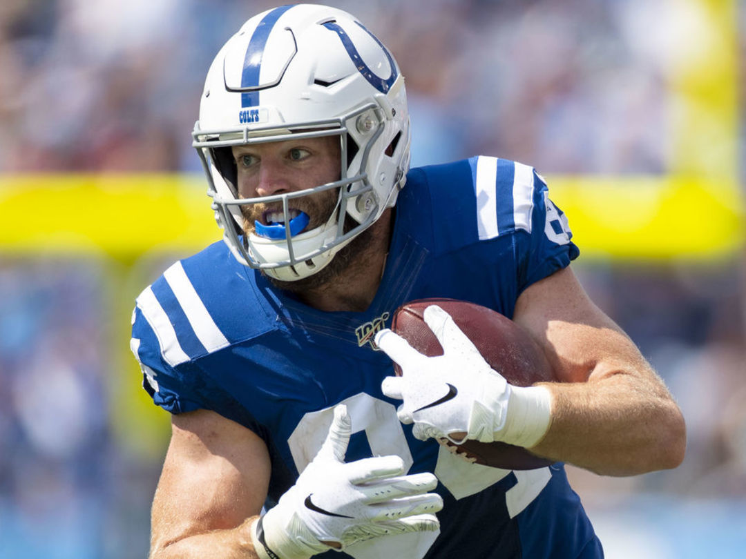 Colts sign Doyle to 3-year extension