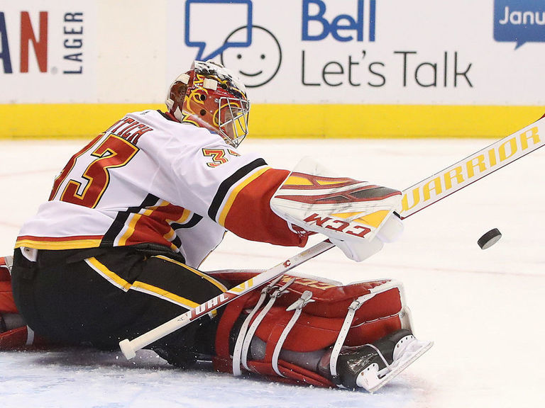 Rittich jokes about best save in win over Maple Leafs: 'Ask my groin'