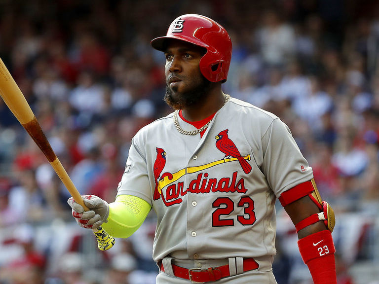 Report: Ozuna waiting for Cardinals to increase offer