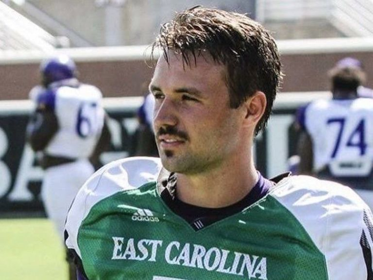 Minshew says he's selling clippings from 1st mustache