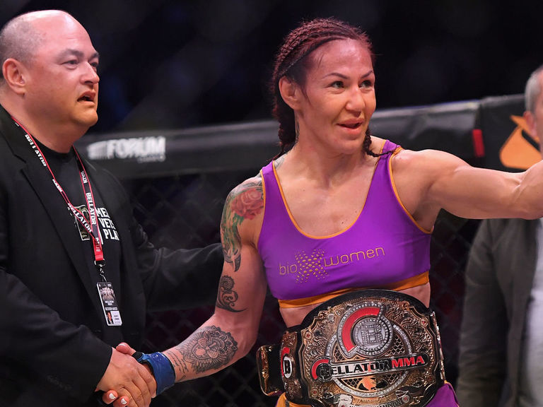 Cyborg destroys Budd with 4th-round TKO to win Bellator title