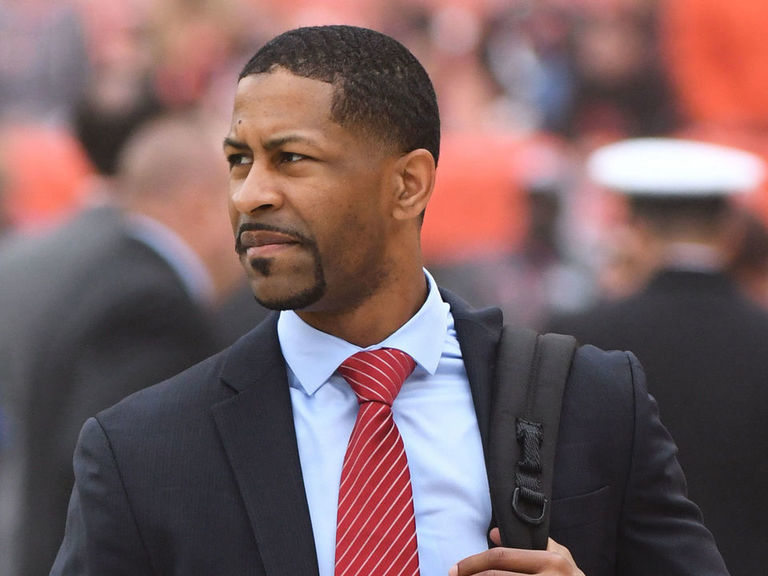 Report: Browns make ex-Eagles exec Berry NFL's youngest GM