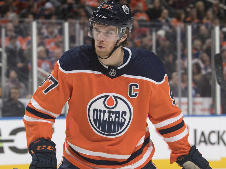 McDavid returns to practice, Oilers not ruling out Friday return