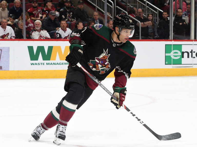 Coyotes GM 'having some discussions' with Taylor Hall's agent