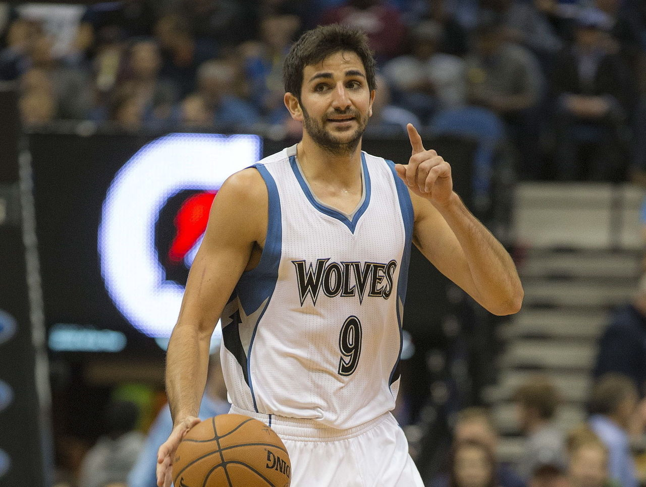 VIDEO: Rubio defies laws of physics with bending pass | theScore com